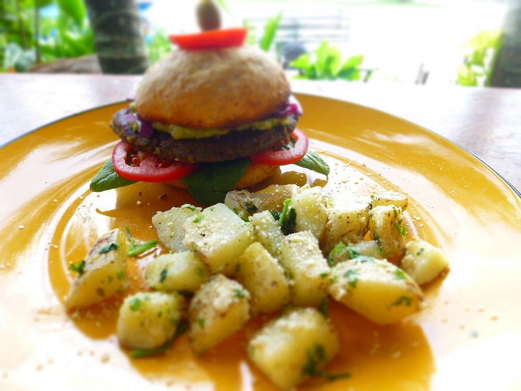 "Photo of Maracuya  by <a href=""/members/profile/camilasamara"">camilasamara</a> <br/>Vegan portobello burger, served with homemade bread and side of garlic potatoes . The perfect combination of burger and garlic potatoes!!! <br/> March 10, 2018  - <a href='/contact/abuse/image/104621/369029'>Report</a>"