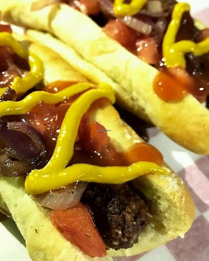 """Photo of Yoko's Vegan Fast Food  by <a href=""""/members/profile/JoseLuisCant%C3%B3"""">JoseLuisCantó</a> <br/>Hot Dog <br/> December 3, 2017  - <a href='/contact/abuse/image/104633/331677'>Report</a>"""