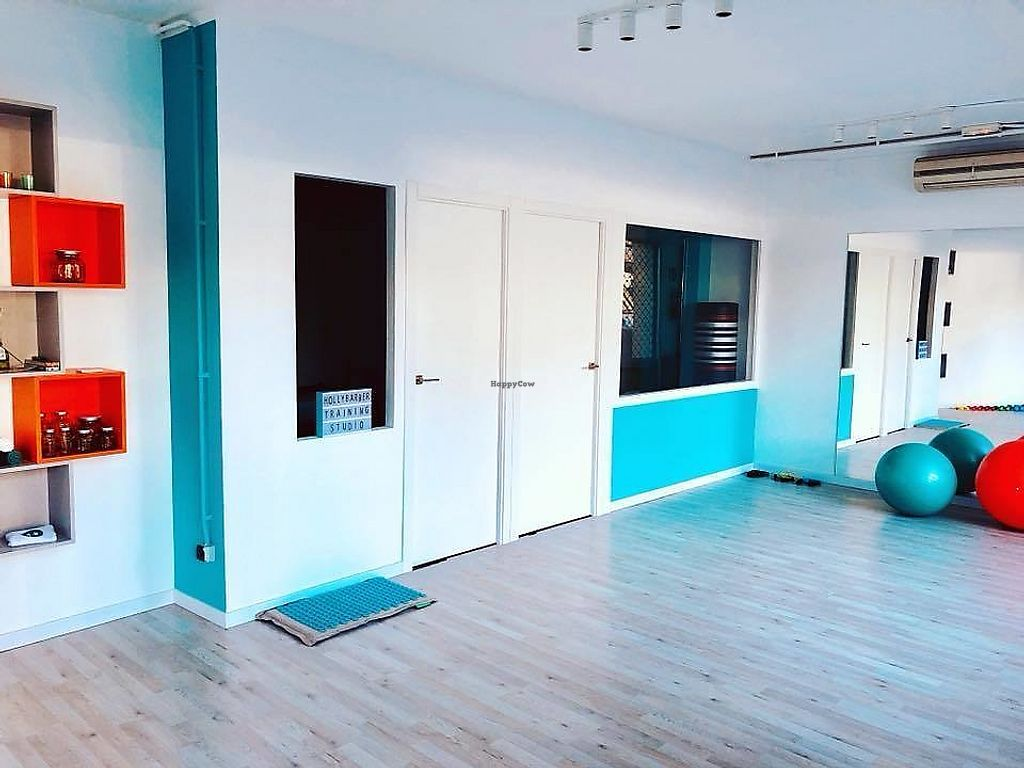 "Photo of Holly Barber Personal Training  by <a href=""/members/profile/MichielVanD"">MichielVanD</a> <br/>The studio, with a boxfit room in the back. Bright and happy colours.  <br/> November 10, 2017  - <a href='/contact/abuse/image/104660/323851'>Report</a>"