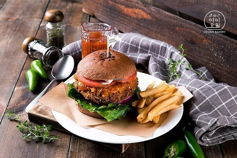 """Photo of yummyyomil  by <a href=""""/members/profile/EvanBuckman"""">EvanBuckman</a> <br/>Our new vegan burger! Jalapeno Burger with Spicy Sauce! All sauce is made in-house by our chef! Delicious burger filled with flavors! <br/> November 11, 2017  - <a href='/contact/abuse/image/104729/324144'>Report</a>"""