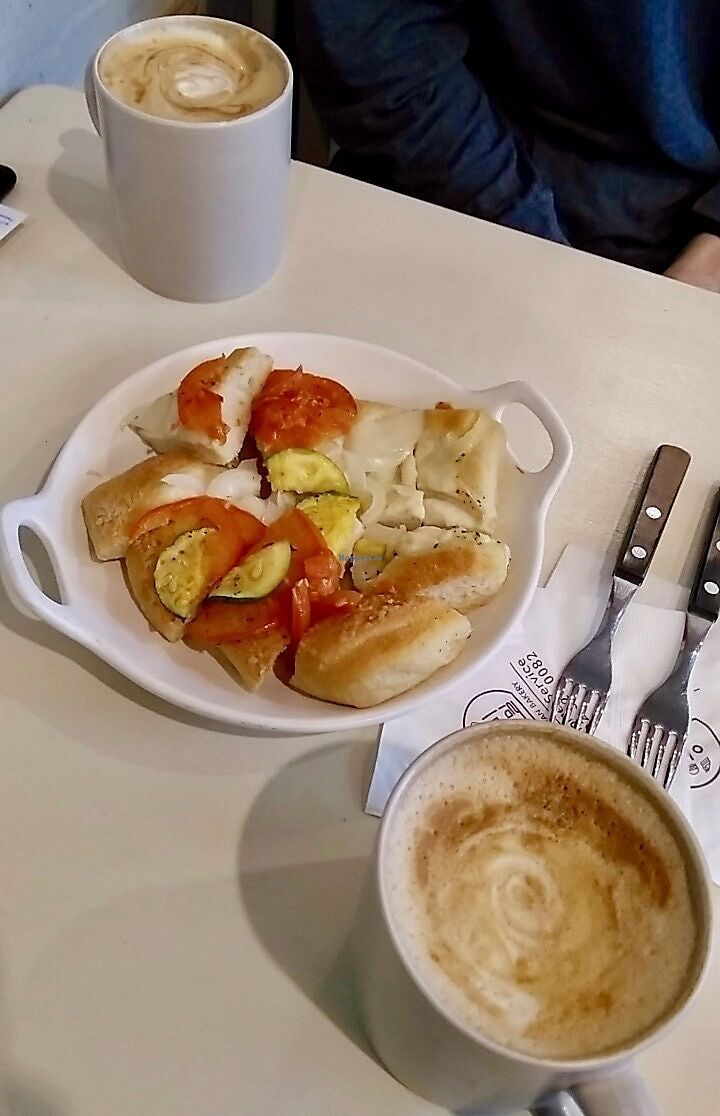 """Photo of yummyyomil  by <a href=""""/members/profile/egietz"""">egietz</a> <br/>Focaccia bread w/ tomato, onion and zucchini <br/> December 24, 2017  - <a href='/contact/abuse/image/104729/338600'>Report</a>"""