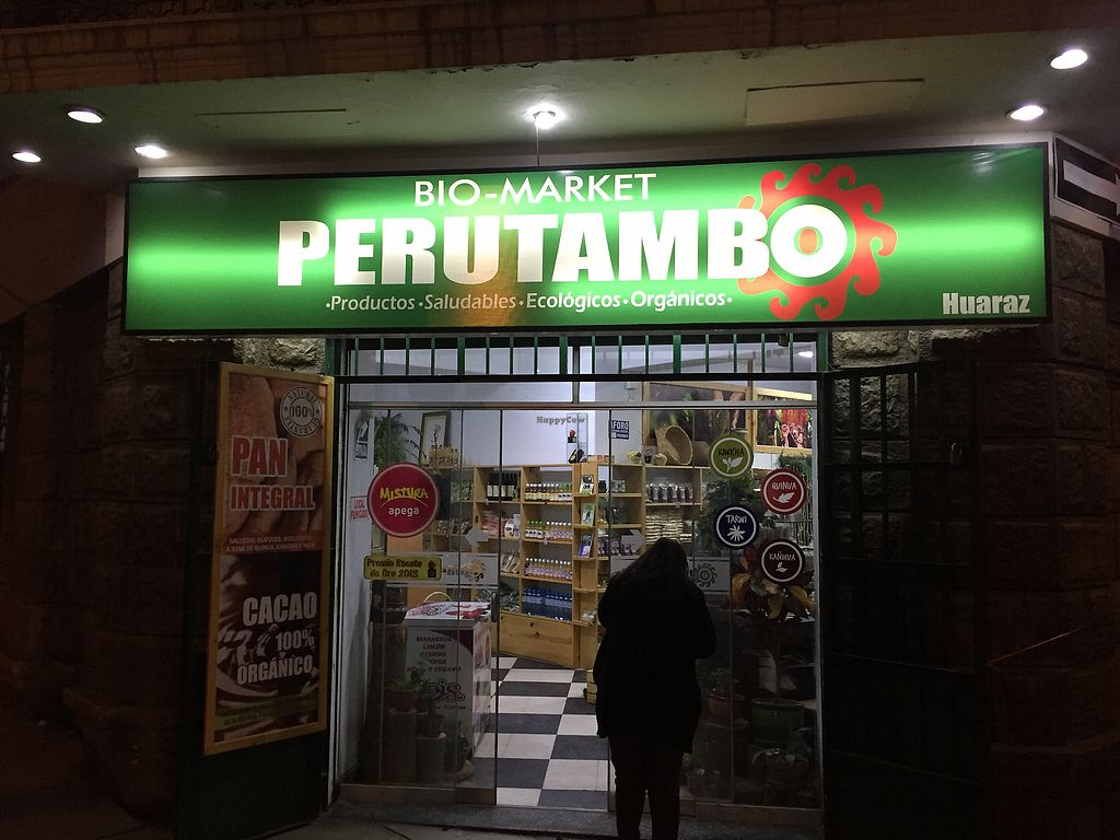 """Photo of Perutambo Biomarket  by <a href=""""/members/profile/Dianebg"""">Dianebg</a> <br/>Entrance  <br/> November 11, 2017  - <a href='/contact/abuse/image/104779/324387'>Report</a>"""