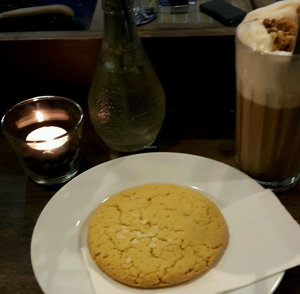 """Photo of Coffee Bay  by <a href=""""/members/profile/Wilkou"""">Wilkou</a> <br/>Cookie and Walnut-Maple-Latte <br/> January 24, 2018  - <a href='/contact/abuse/image/104843/350559'>Report</a>"""