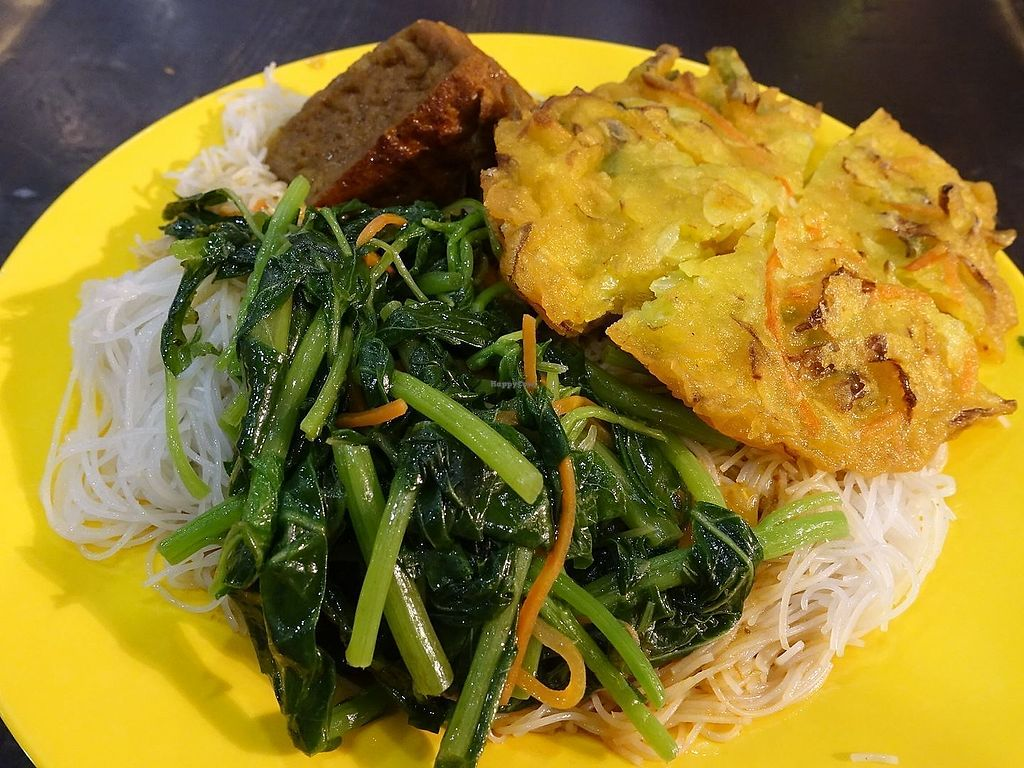 """Photo of Da Jia Fa Vegetarian Stall  by <a href=""""/members/profile/JimmySeah"""">JimmySeah</a> <br/>vermicelli with green vegetables, tau-gua and fried vegetables <br/> November 13, 2017  - <a href='/contact/abuse/image/104900/325158'>Report</a>"""