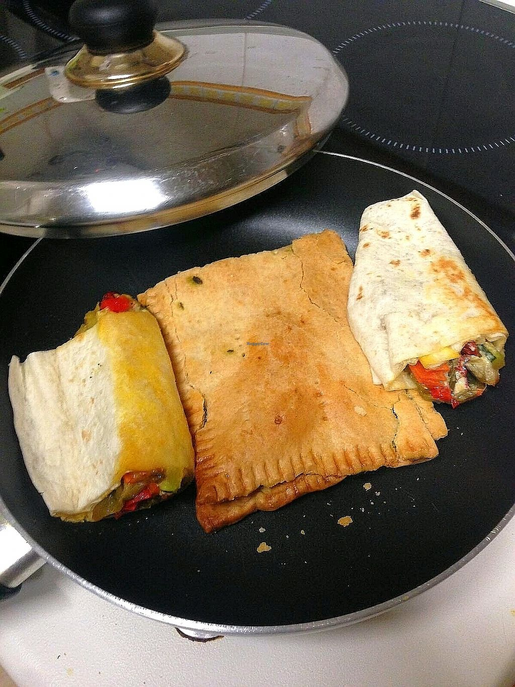 "Photo of Verdetariano  by <a href=""/members/profile/wyrd"">wyrd</a> <br/>burrito and empanada <br/> November 25, 2017  - <a href='/contact/abuse/image/104979/329132'>Report</a>"