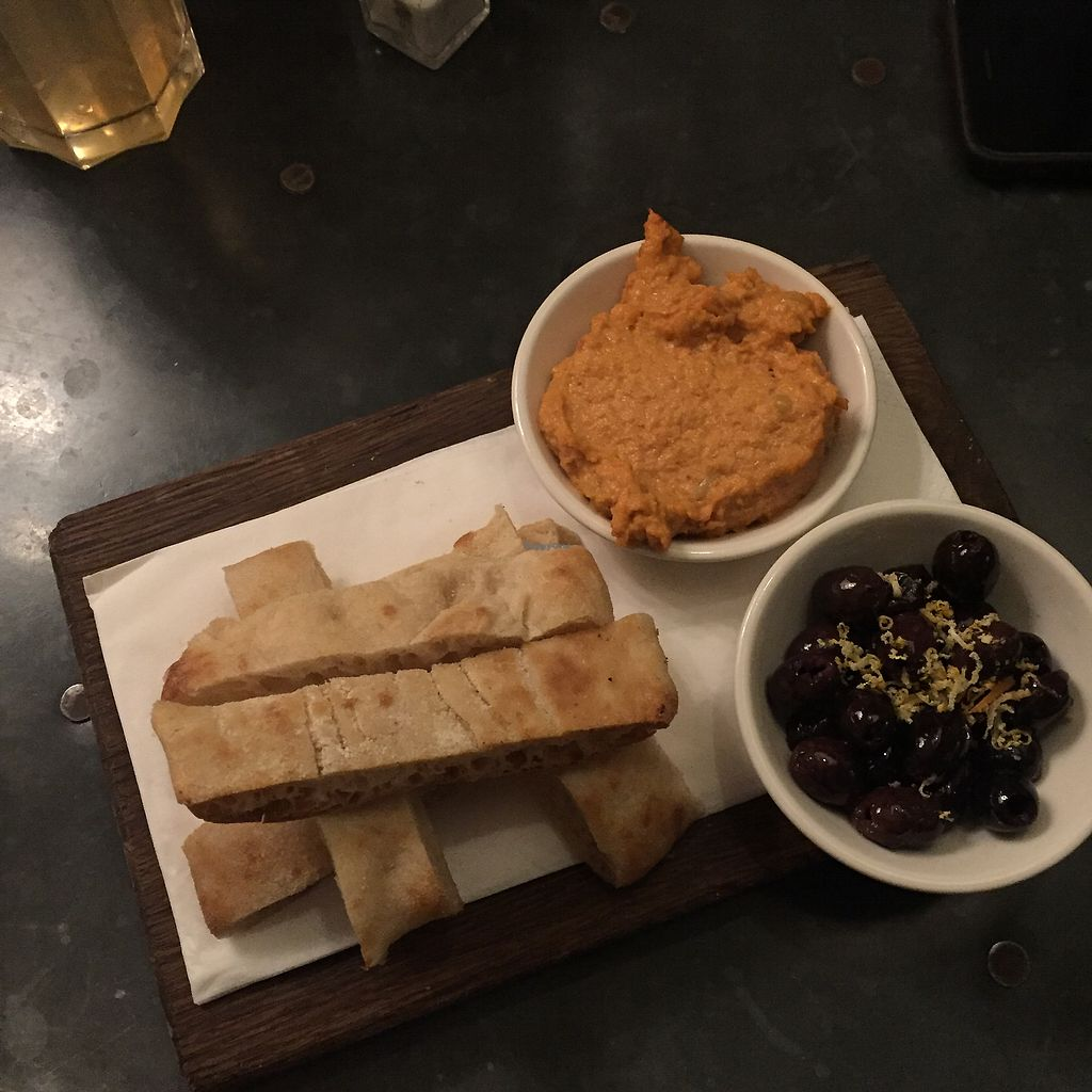 """Photo of Bill's  by <a href=""""/members/profile/bakeydoesntbake"""">bakeydoesntbake</a> <br/>Starter - Bread w hummus & olives <br/> January 14, 2018  - <a href='/contact/abuse/image/105042/346700'>Report</a>"""