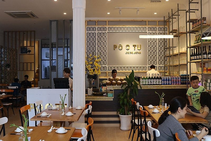 """Photo of Po o Tu  by <a href=""""/members/profile/Veganrestaurantpootu"""">Veganrestaurantpootu</a> <br/>Không Gian Đẹp <br/> November 16, 2017  - <a href='/contact/abuse/image/105058/326065'>Report</a>"""