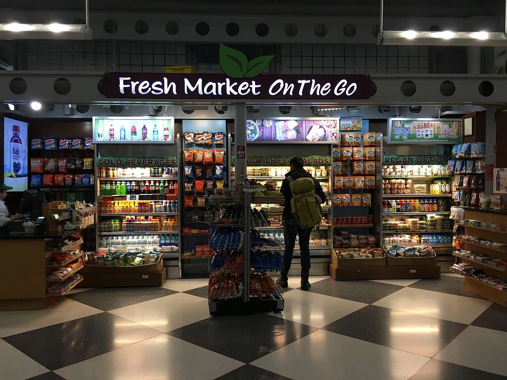 """Photo of Fresh Market on the Go - Airport  by <a href=""""/members/profile/kurt"""">kurt</a> <br/>Near Gate 23 <br/> November 15, 2017  - <a href='/contact/abuse/image/105152/325875'>Report</a>"""