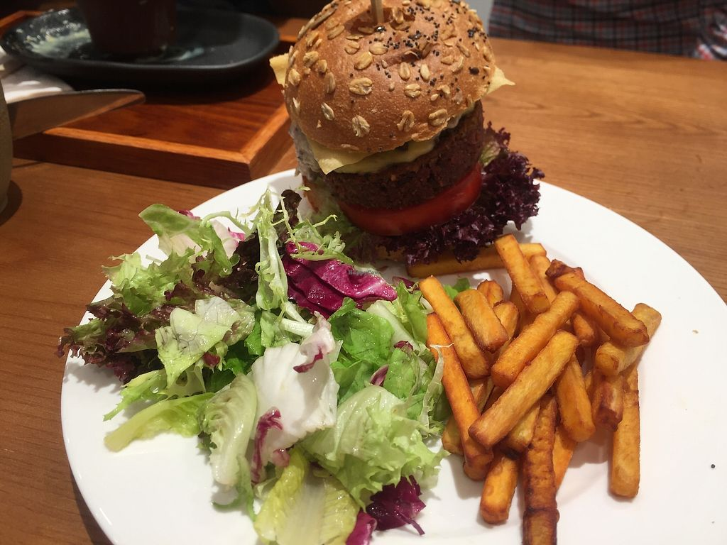 "Photo of 2DP - 2DecimalPlaces  by <a href=""/members/profile/SamanthaIngridHo"">SamanthaIngridHo</a> <br/>Veg Beef Burger with salad and sweet potato fries <br/> December 9, 2017  - <a href='/contact/abuse/image/105159/333735'>Report</a>"