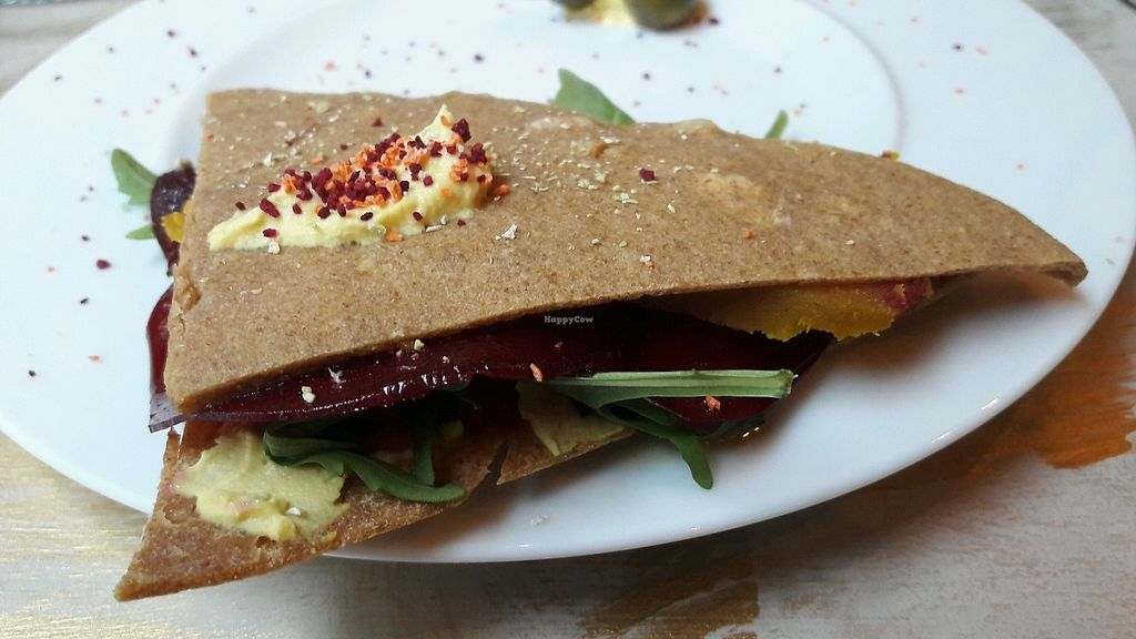"Photo of La Dulce Boutique  by <a href=""/members/profile/Veganolive1"">Veganolive1</a> <br/>Macadamia raw cheese sandwich  <br/> December 29, 2017  - <a href='/contact/abuse/image/105189/340512'>Report</a>"