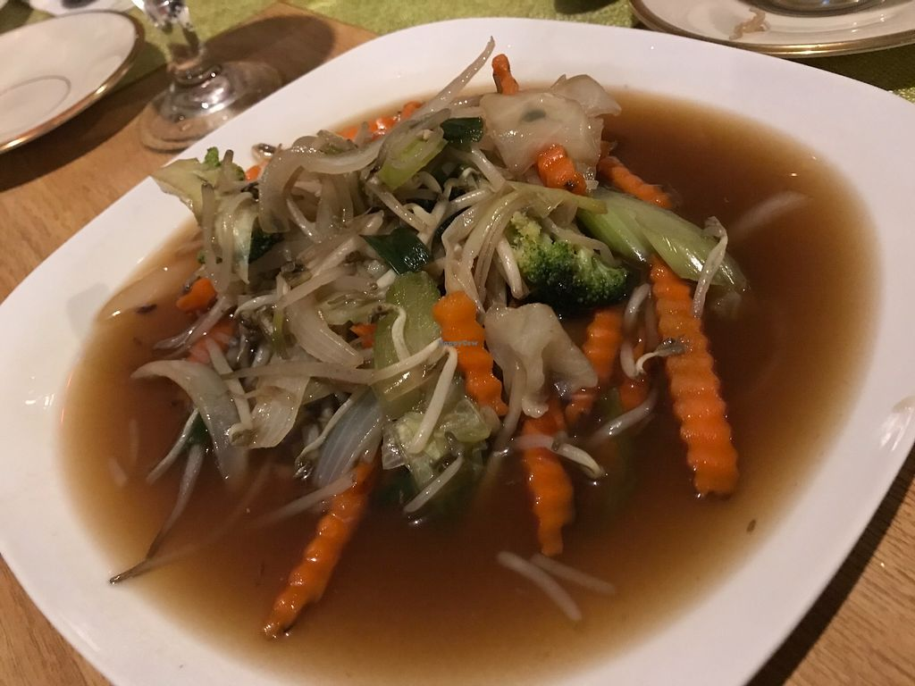 "Photo of Mint Asian Cuisine  by <a href=""/members/profile/BeGreenwithAmy"">BeGreenwithAmy</a> <br/>Many vegan options. Menu items can be specially prepared without oil or salt upon request.  <br/> November 24, 2017  - <a href='/contact/abuse/image/105322/328729'>Report</a>"