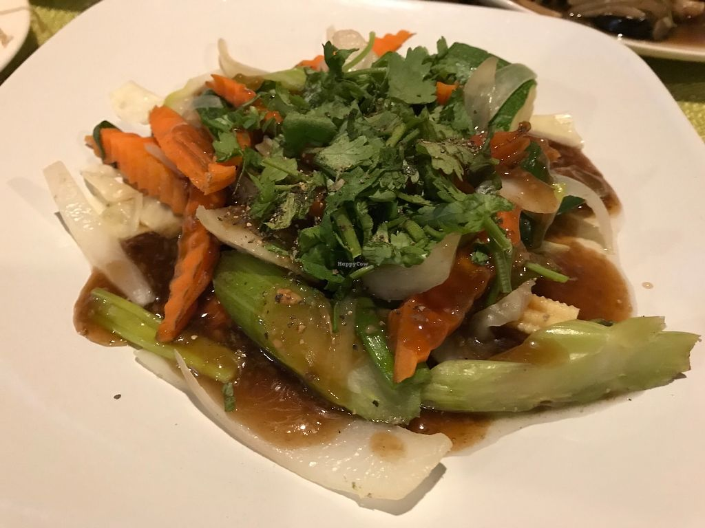"Photo of Mint Asian Cuisine  by <a href=""/members/profile/BeGreenwithAmy"">BeGreenwithAmy</a> <br/>Delicious, vegan food and oil free! <br/> December 28, 2017  - <a href='/contact/abuse/image/105322/340051'>Report</a>"