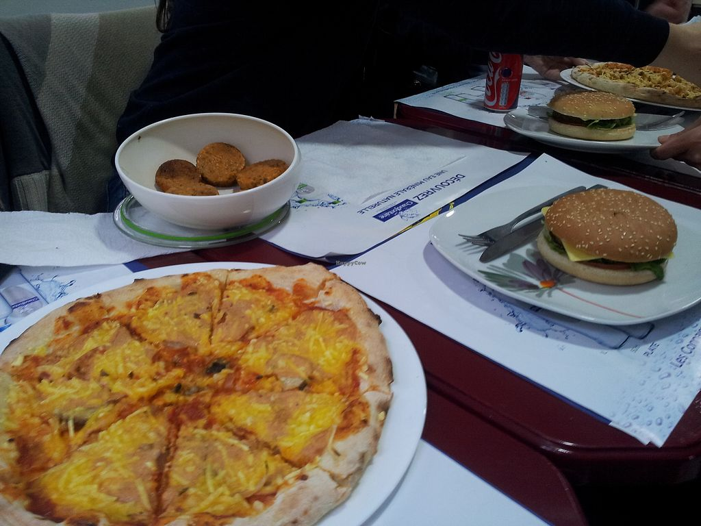 """Photo of ZN Toast  by <a href=""""/members/profile/AntoninAgarthiPickAr"""">AntoninAgarthiPickAr</a> <br/>VEGAN PIZZAS BURGER <br/> November 19, 2017  - <a href='/contact/abuse/image/105458/327269'>Report</a>"""
