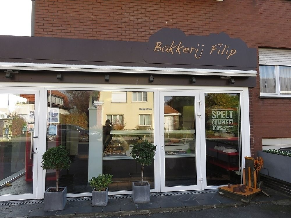 """Photo of Bakkerij Filip  by <a href=""""/members/profile/TrudiBruges"""">TrudiBruges</a> <br/>Bakkerij Filip, Kuurne <br/> November 19, 2017  - <a href='/contact/abuse/image/105463/327134'>Report</a>"""