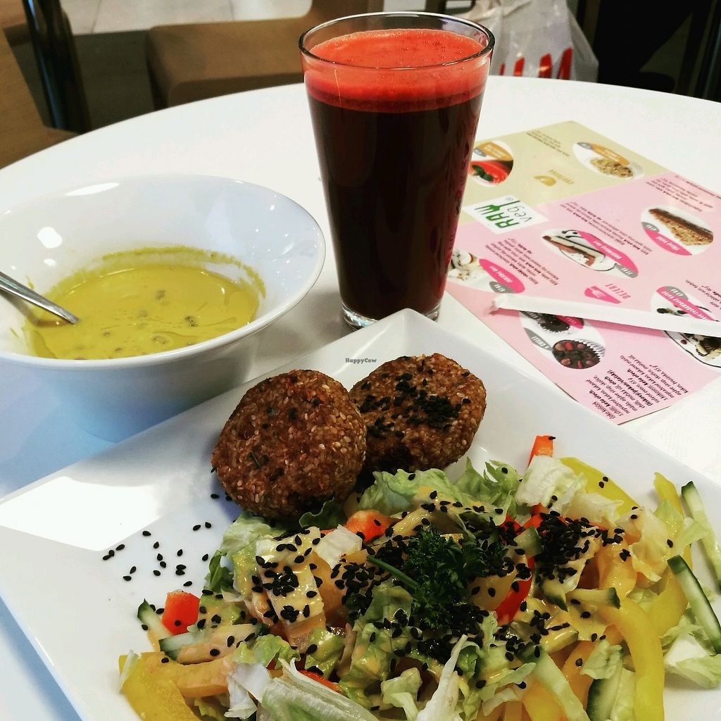 "Photo of bistRAWveg - Cerny Most Shopping Centre  by <a href=""/members/profile/V%C3%A1clavVislous"">VáclavVislous</a> <br/>RAW lunch <br/> January 7, 2018  - <a href='/contact/abuse/image/105480/343978'>Report</a>"