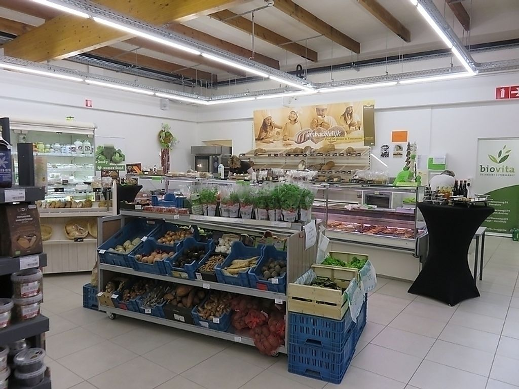 """Photo of Biovita  by <a href=""""/members/profile/TrudiBruges"""">TrudiBruges</a> <br/>Fresh fruits and vegs, Biovita Roeselare <br/> November 21, 2017  - <a href='/contact/abuse/image/105549/327722'>Report</a>"""