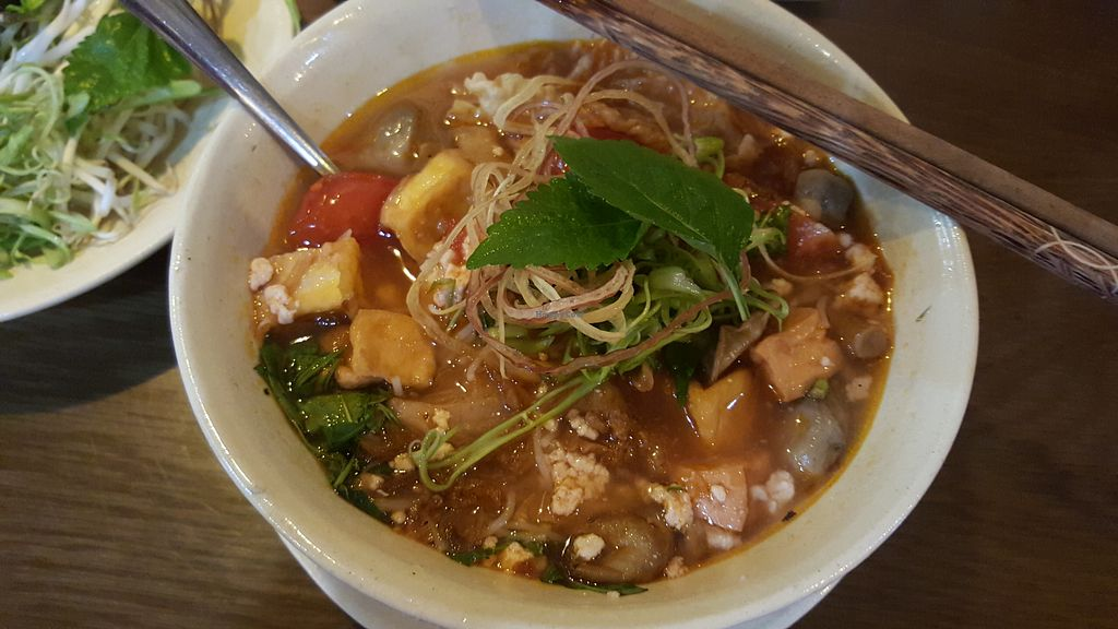 "Photo of Man Tu Vegan  by <a href=""/members/profile/Refinnej"">Refinnej</a> <br/>bun rieu (vermicelli in a tomato, tofu and crab soup) <br/> May 13, 2018  - <a href='/contact/abuse/image/105609/399024'>Report</a>"