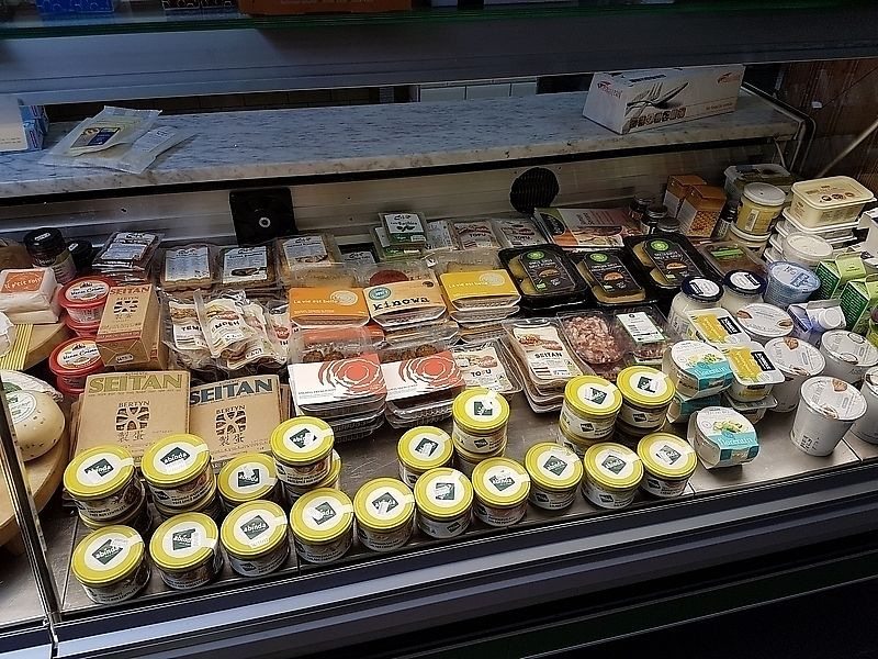 """Photo of Luzerne Natuurvoeding  by <a href=""""/members/profile/TrudiBruges"""">TrudiBruges</a> <br/>counter with some vegan products, Luzerne, Beernem <br/> November 22, 2017  - <a href='/contact/abuse/image/105624/328054'>Report</a>"""
