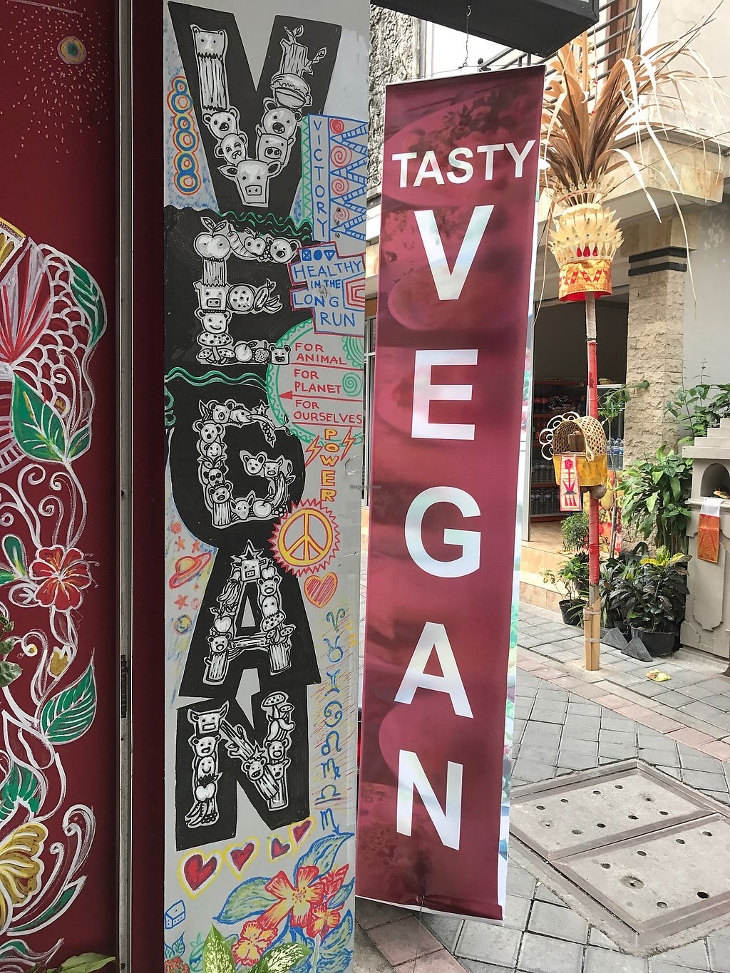 """Photo of Tasty Vegan - Poppies  by <a href=""""/members/profile/rehinathevegan"""">rehinathevegan</a> <br/>Front of shop!  <br/> November 23, 2017  - <a href='/contact/abuse/image/105682/328420'>Report</a>"""