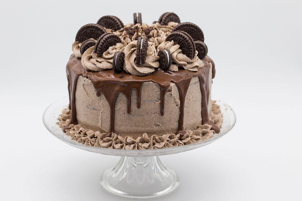 """Photo of Mrs Wheelmaker Bakes  by <a href=""""/members/profile/theslugclub"""">theslugclub</a> <br/>Oreo Cookies & Cream Cake  <br/> December 29, 2017  - <a href='/contact/abuse/image/105715/340573'>Report</a>"""
