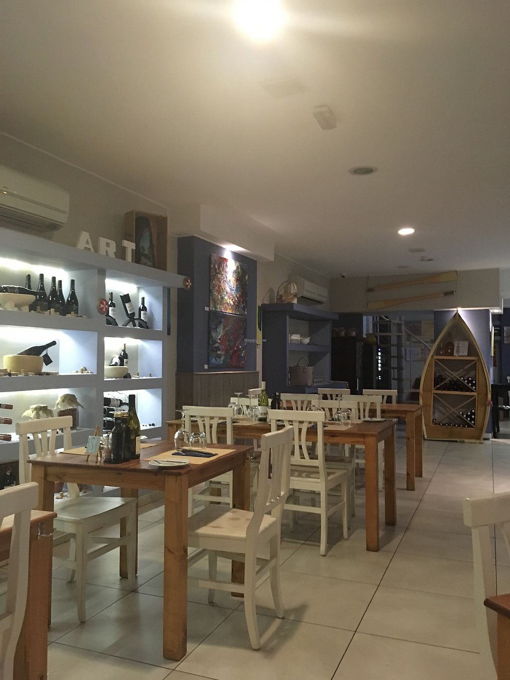 """Photo of Two Buoys Bistro  by <a href=""""/members/profile/monisonfire"""">monisonfire</a> <br/>interior  <br/> January 7, 2018  - <a href='/contact/abuse/image/105720/344075'>Report</a>"""