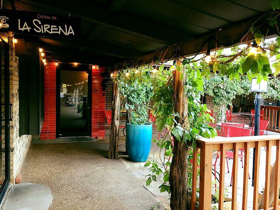"Photo of Cocina de La Sirena  by <a href=""/members/profile/JeffJohnson"">JeffJohnson</a> <br/>Entrance <br/> November 24, 2017  - <a href='/contact/abuse/image/105837/328799'>Report</a>"