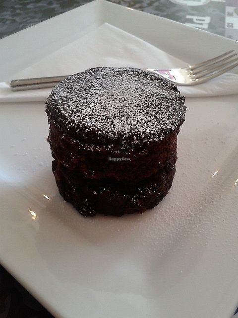 "Photo of Bean Social  by <a href=""/members/profile/deadpledge"">deadpledge</a> <br/>Ultimate chocolate cake <br/> April 6, 2018  - <a href='/contact/abuse/image/105862/381587'>Report</a>"