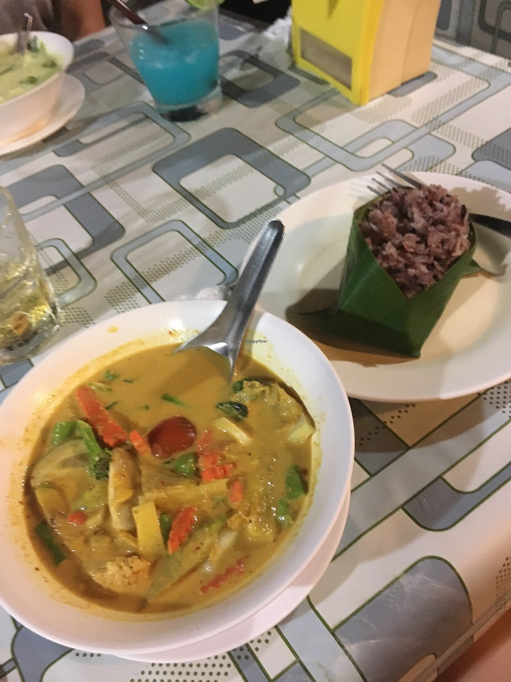 "Photo of Ton Ma Yom  by <a href=""/members/profile/Fran%C3%A7oiseFacella"">FrançoiseFacella</a> <br/>Vegetable red curry and sticky rice  <br/> November 26, 2017  - <a href='/contact/abuse/image/105910/329363'>Report</a>"