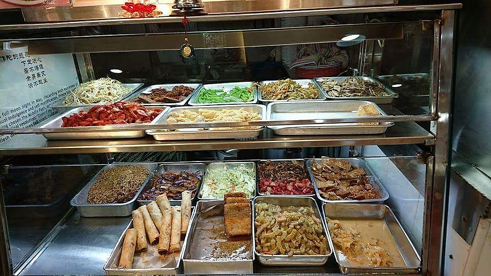"""Photo of Yi Xin Vegetarian  by <a href=""""/members/profile/JimmySeah"""">JimmySeah</a> <br/>economic rice buffet selection  <br/> November 26, 2017  - <a href='/contact/abuse/image/105984/329534'>Report</a>"""