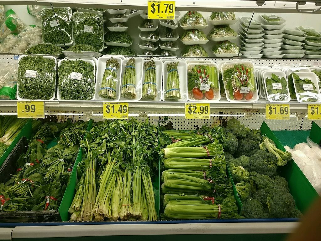 """Photo of World Foods Supermarket  by <a href=""""/members/profile/KellyBone"""">KellyBone</a> <br/>produce department  <br/> November 28, 2017  - <a href='/contact/abuse/image/106061/329981'>Report</a>"""