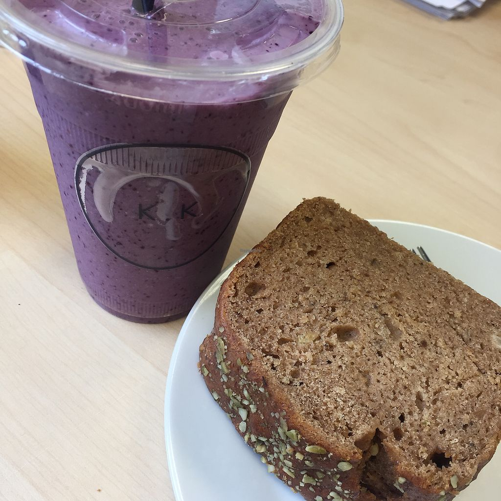 "Photo of Kalm Kitchen Cafe  by <a href=""/members/profile/bakeydoesntbake"">bakeydoesntbake</a> <br/>Breakfast smoothie & vegan banana bread <br/> April 1, 2018  - <a href='/contact/abuse/image/106176/379558'>Report</a>"