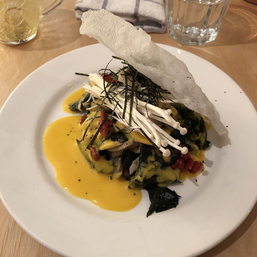 """Photo of Bighi Curry  by <a href=""""/members/profile/mcsnv"""">mcsnv</a> <br/>Salade de champignons marinés et algues avec baie de goji et vinaigrette à la courge <br/> November 30, 2017  - <a href='/contact/abuse/image/106318/330964'>Report</a>"""