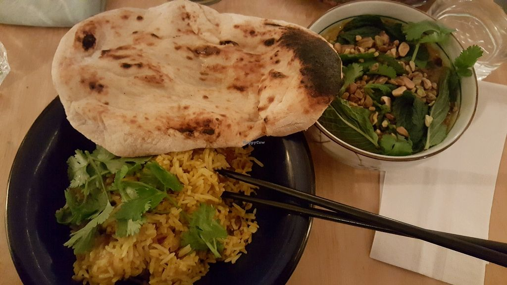 """Photo of Bighi Curry  by <a href=""""/members/profile/Babette"""">Babette</a> <br/>pistachio stew, biryani and naan <br/> January 6, 2018  - <a href='/contact/abuse/image/106318/343474'>Report</a>"""