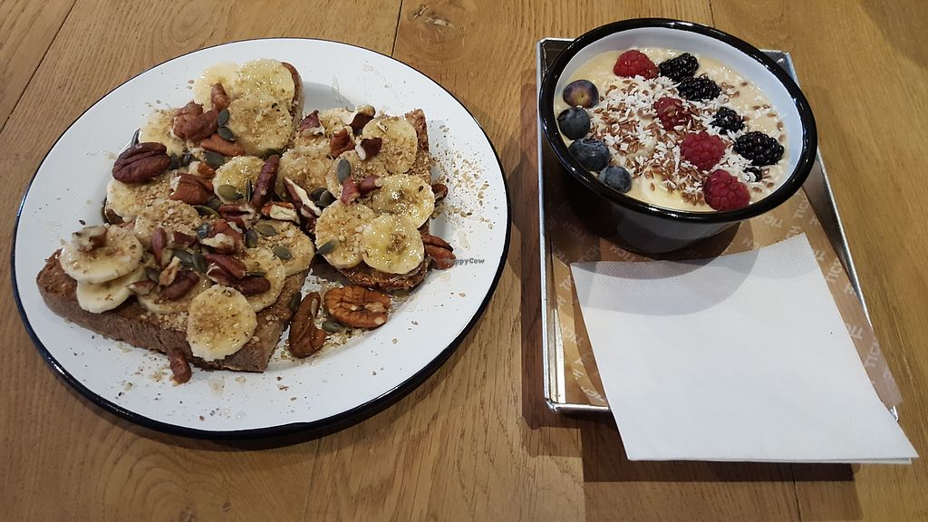 "Photo of TICH Healthy Living  by <a href=""/members/profile/VeganAnnaS"">VeganAnnaS</a> <br/>Banana toast and smoothie bowl <br/> February 17, 2018  - <a href='/contact/abuse/image/106346/360415'>Report</a>"