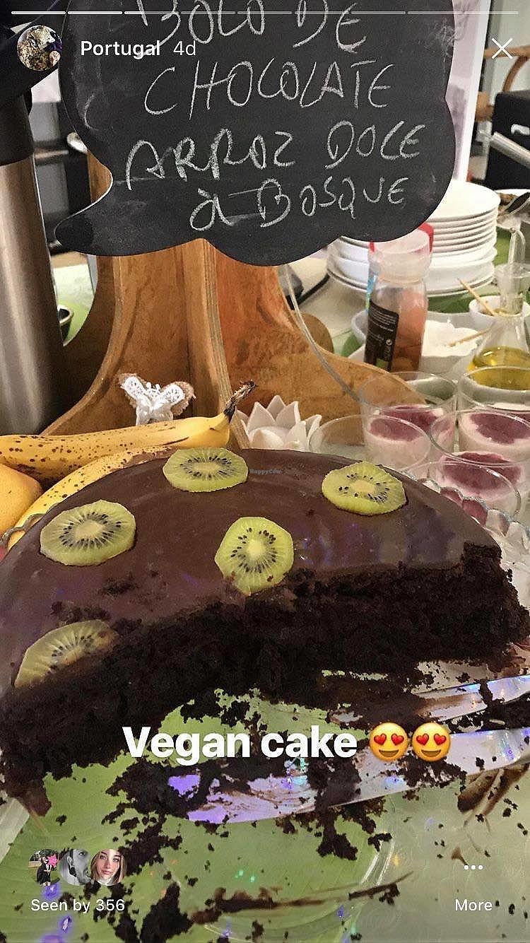 "Photo of Bosque  by <a href=""/members/profile/Lara-RoseTadman"">Lara-RoseTadman</a> <br/>Amazing Chocolate cake <br/> April 15, 2018  - <a href='/contact/abuse/image/106384/386372'>Report</a>"