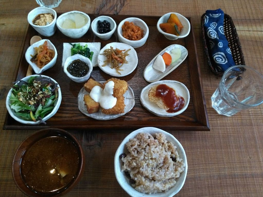 """Photo of Kitotoki  by <a href=""""/members/profile/JimmySeah"""">JimmySeah</a> <br/>set lunch about 15 items. 1620 yen inclusive of tax  <br/> December 3, 2017  - <a href='/contact/abuse/image/106423/331688'>Report</a>"""