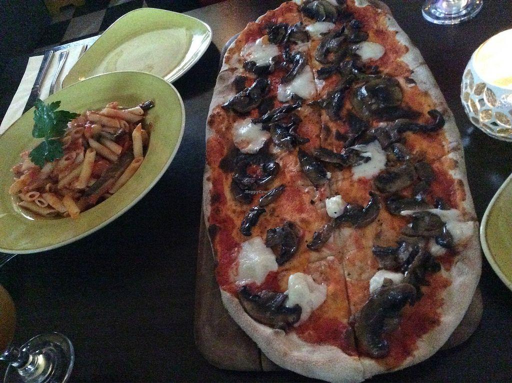 "Photo of Zambretto Italian - Old Sneddon St  by <a href=""/members/profile/AgataAgathe"">AgataAgathe</a> <br/>Pizza and pasta dish <br/> April 6, 2018  - <a href='/contact/abuse/image/106515/381713'>Report</a>"