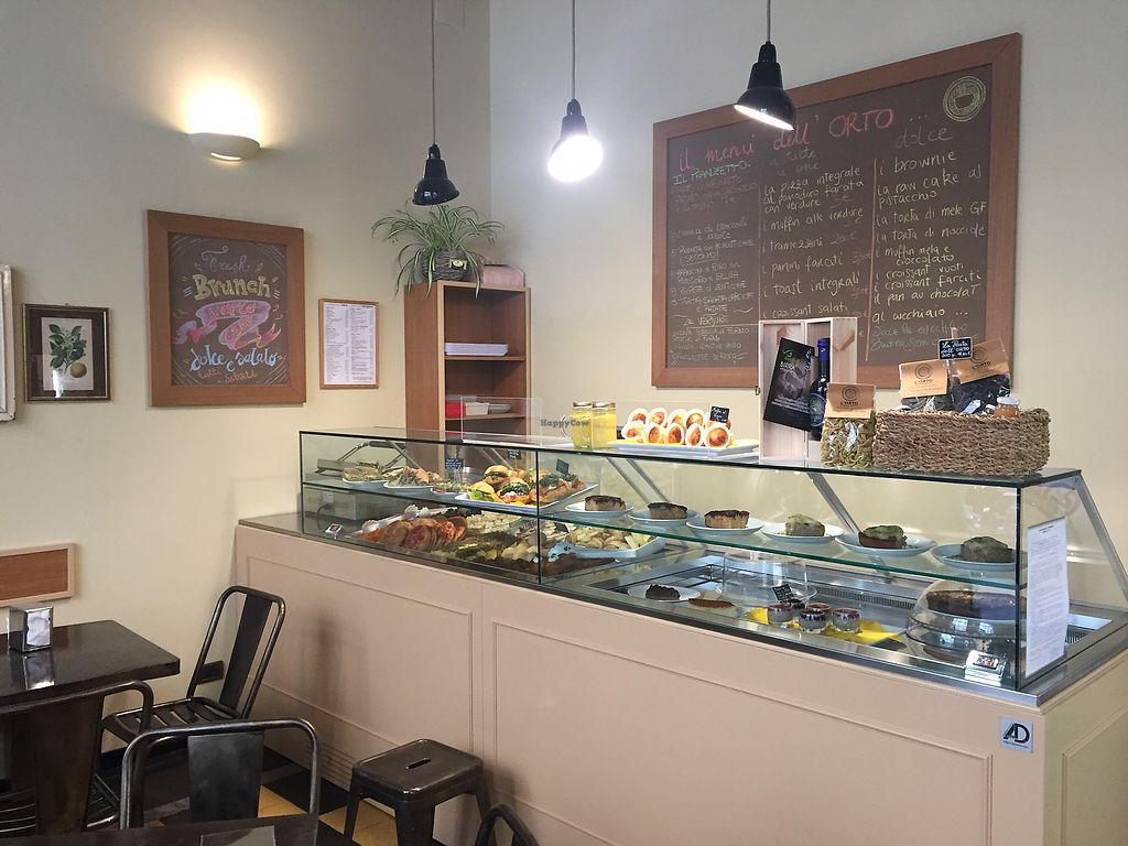 """Photo of L'Orto Cafe  by <a href=""""/members/profile/L_Almo_Clelarco"""">L_Almo_Clelarco</a> <br/>The counter <br/> December 30, 2017  - <a href='/contact/abuse/image/106529/341009'>Report</a>"""