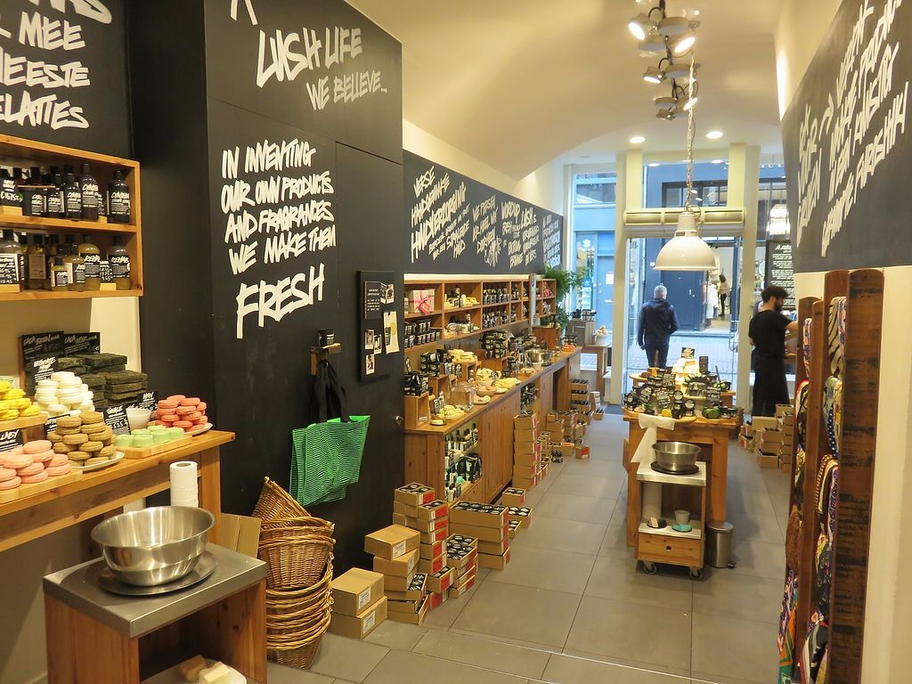 """Photo of Lush  by <a href=""""/members/profile/TrudiBruges"""">TrudiBruges</a> <br/>visit 2015 <br/> December 5, 2017  - <a href='/contact/abuse/image/106561/332469'>Report</a>"""