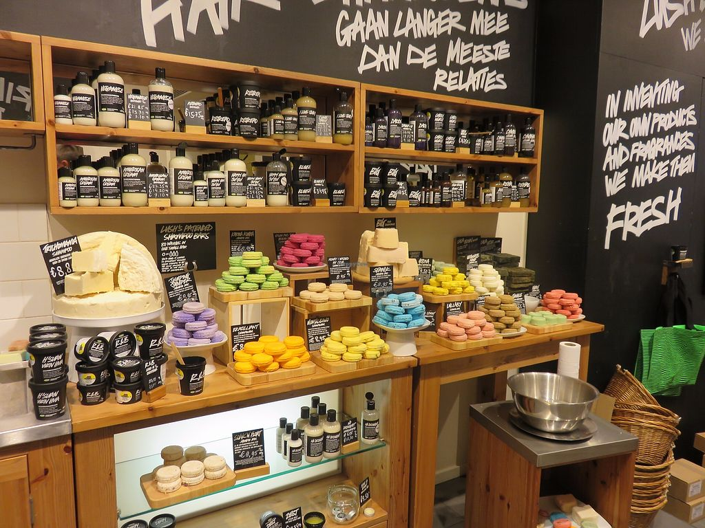 """Photo of Lush  by <a href=""""/members/profile/TrudiBruges"""">TrudiBruges</a> <br/>visit 2015 <br/> December 5, 2017  - <a href='/contact/abuse/image/106561/332471'>Report</a>"""
