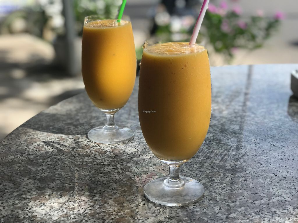 "Photo of Pacha Ma Ma  by <a href=""/members/profile/ShamusCT"">ShamusCT</a> <br/>Mango/passionfruit juice  <br/> December 5, 2017  - <a href='/contact/abuse/image/106571/332461'>Report</a>"