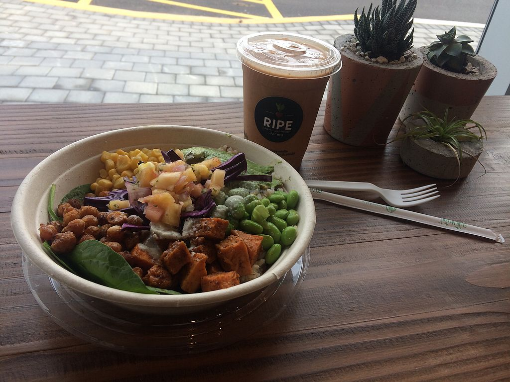 "Photo of Ripe Juicery - South Barrie  by <a href=""/members/profile/KristinMadeleine"">KristinMadeleine</a> <br/>Buddha-full bowl <br/> December 6, 2017  - <a href='/contact/abuse/image/106635/332772'>Report</a>"
