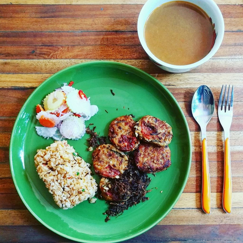 """Photo of Mahob Buos  by <a href=""""/members/profile/ThydaSek"""">ThydaSek</a> <br/>Vegan Cambodian Food, delicious ! <br/> December 11, 2017  - <a href='/contact/abuse/image/106738/334639'>Report</a>"""