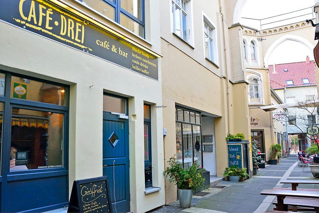 "Photo of café drei   by <a href=""/members/profile/JessicaM%C3%B6bius"">JessicaMöbius</a> <br/>Café über 2 Etagen & Außenplätzen <br/> March 21, 2018  - <a href='/contact/abuse/image/106805/373826'>Report</a>"