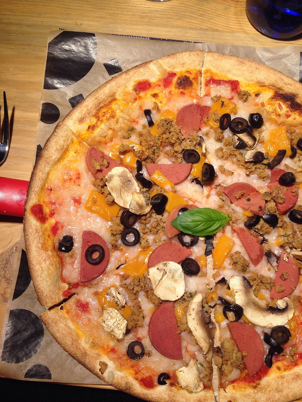 """Photo of Yolo Pizza  by <a href=""""/members/profile/EarthlingAndrea"""">EarthlingAndrea</a> <br/>Vegan pizza <br/> December 21, 2017  - <a href='/contact/abuse/image/106925/337695'>Report</a>"""