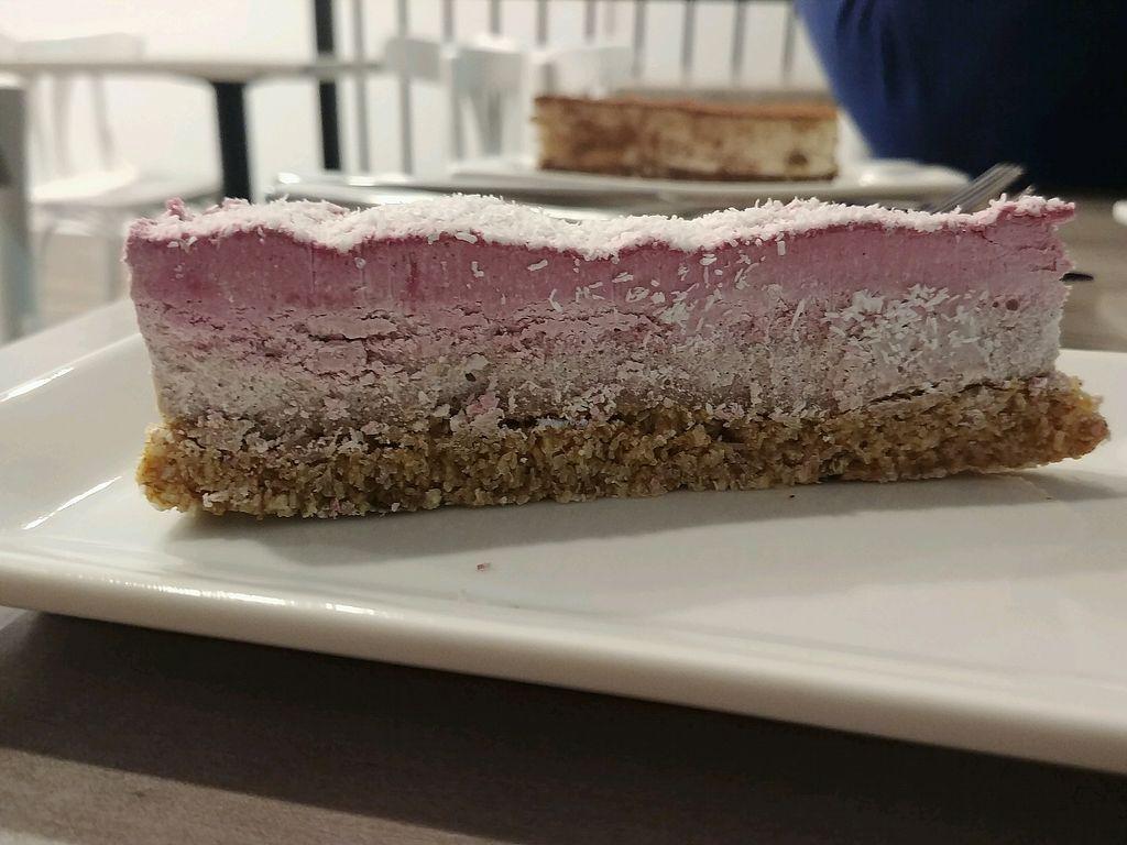 "Photo of Nabati Bistro  by <a href=""/members/profile/Vitapita"">Vitapita</a> <br/>strawberry cake <br/> February 18, 2018  - <a href='/contact/abuse/image/107021/360905'>Report</a>"