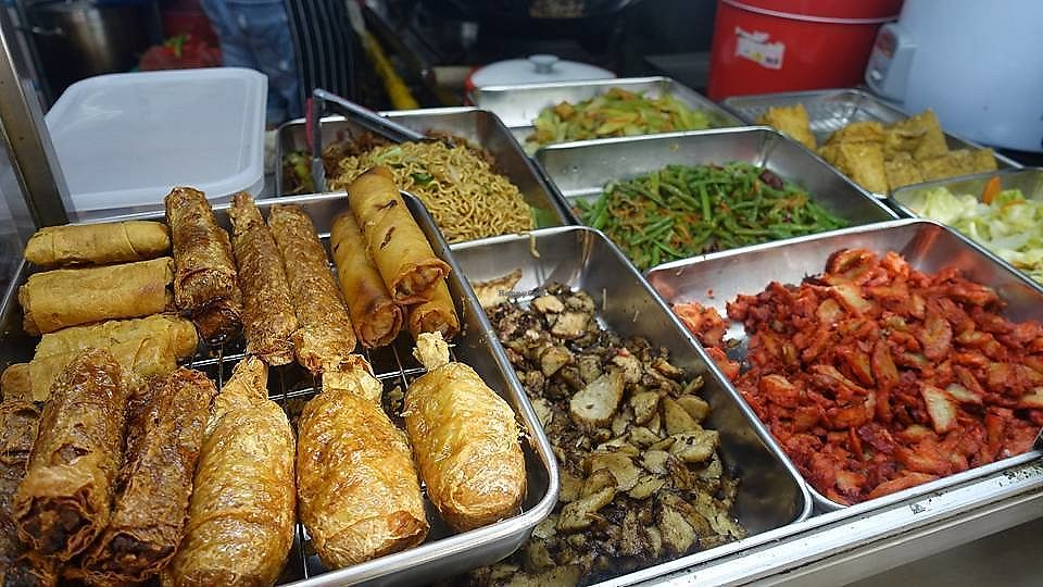 """Photo of Hong Fu Vegetarian  by <a href=""""/members/profile/JimmySeah"""">JimmySeah</a> <br/>buffet selection  <br/> December 17, 2017  - <a href='/contact/abuse/image/107046/336301'>Report</a>"""