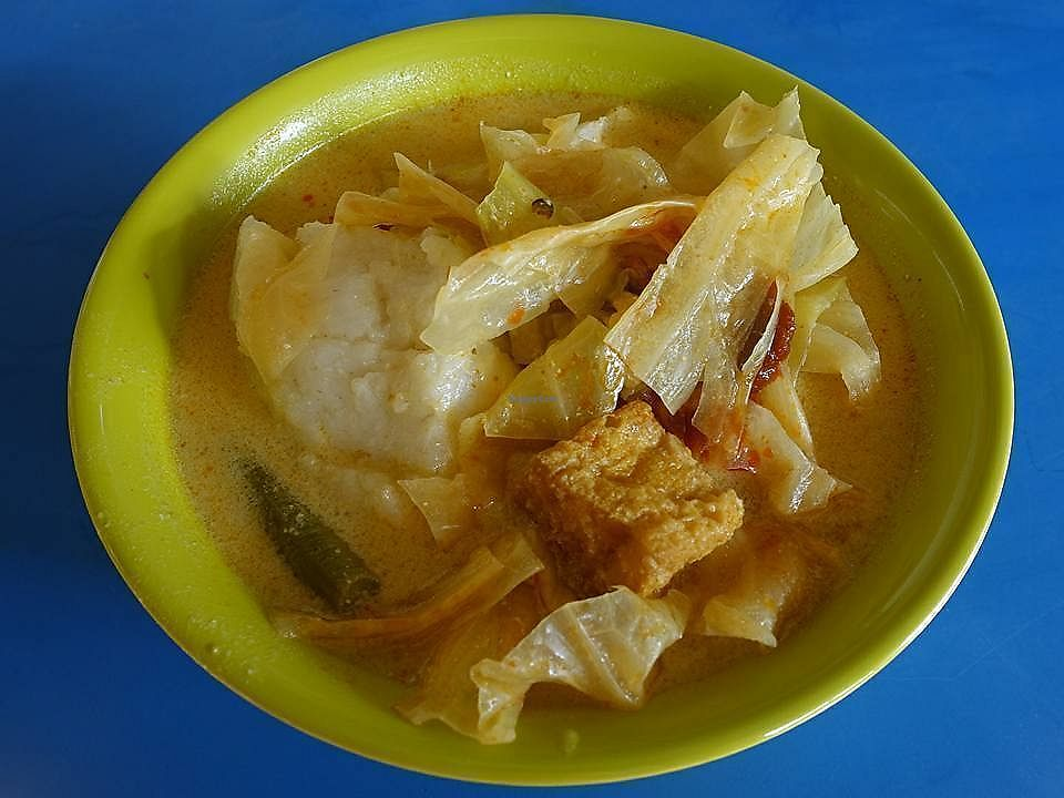 """Photo of Hong Fu Vegetarian  by <a href=""""/members/profile/JimmySeah"""">JimmySeah</a> <br/>lontong - curry gravy with rice cake <br/> December 17, 2017  - <a href='/contact/abuse/image/107046/336302'>Report</a>"""