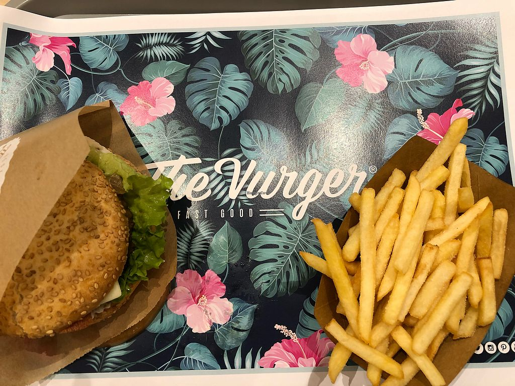 """Photo of The Vurger - Santa Ana  by <a href=""""/members/profile/_hael"""">_hael</a> <br/>The Vurger <br/> February 8, 2018  - <a href='/contact/abuse/image/107067/356542'>Report</a>"""