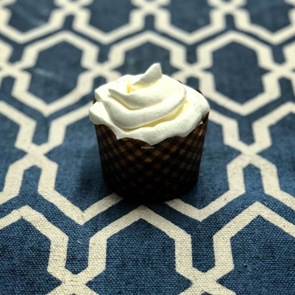 "Photo of Mayse Artisan Bakery  by <a href=""/members/profile/Elinavegan"">Elinavegan</a> <br/>Vegan carrot cupcake! Super fresh <br/> December 13, 2017  - <a href='/contact/abuse/image/107090/335134'>Report</a>"